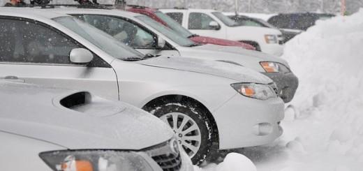Autá v snehu