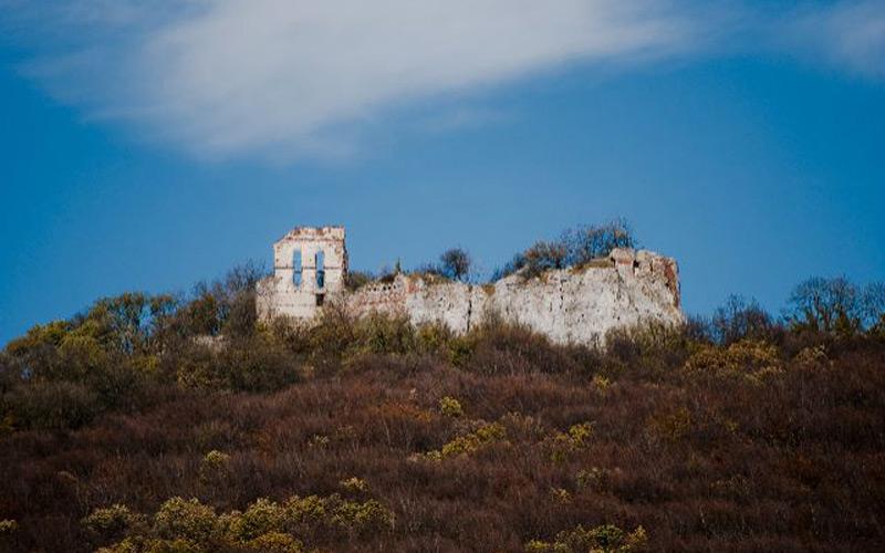 Pozostatky hradu Pajštún