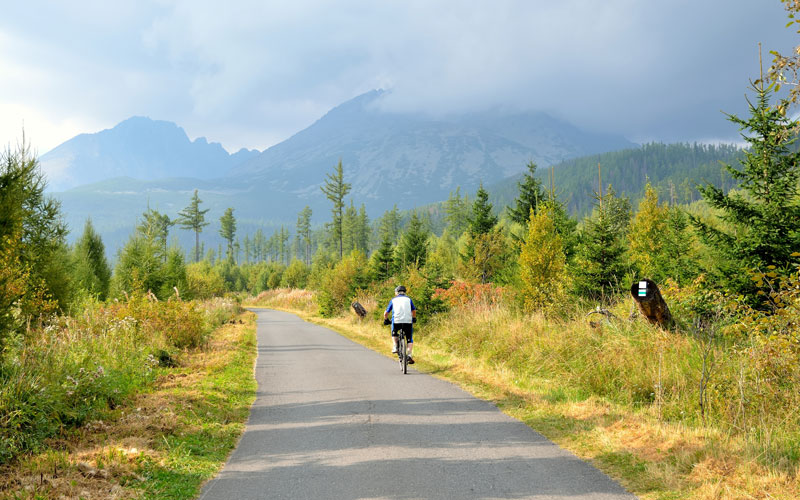 Cyklista vo Vysokých Tatrách