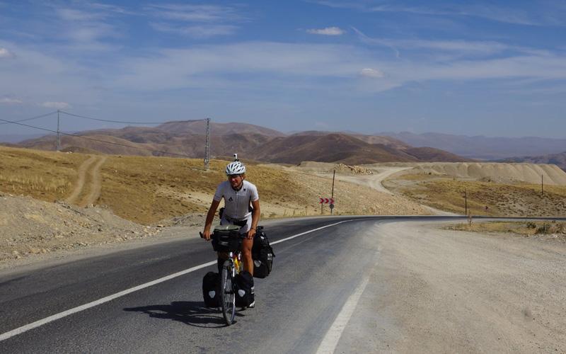Cyklista na cestách